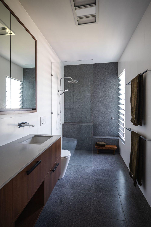 Robe2_bathroom